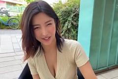 Xem phim xes Megumi Shino applies sloppy blowjob on several cocks